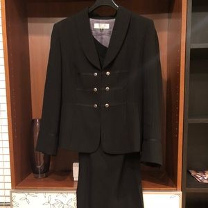 The interview suit that gets you the job!!